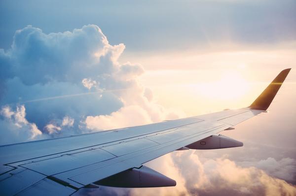 plane-841441_1920 pixabaydotcom